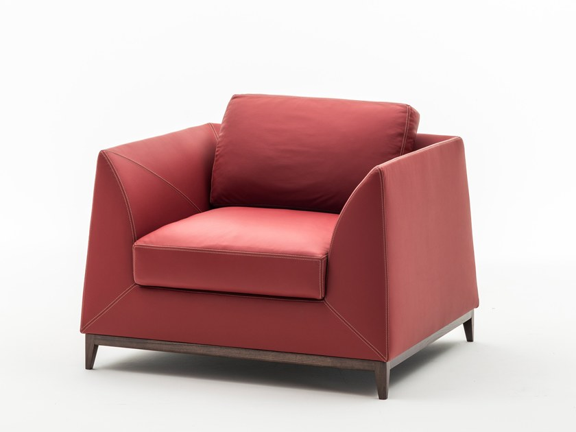 Leather armchair with armrests MANZONI | Armchair by OAK