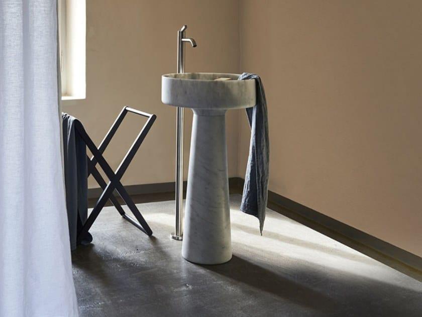 Freestanding round marble washbasin BJHON 1   Marble washbasin by Agape