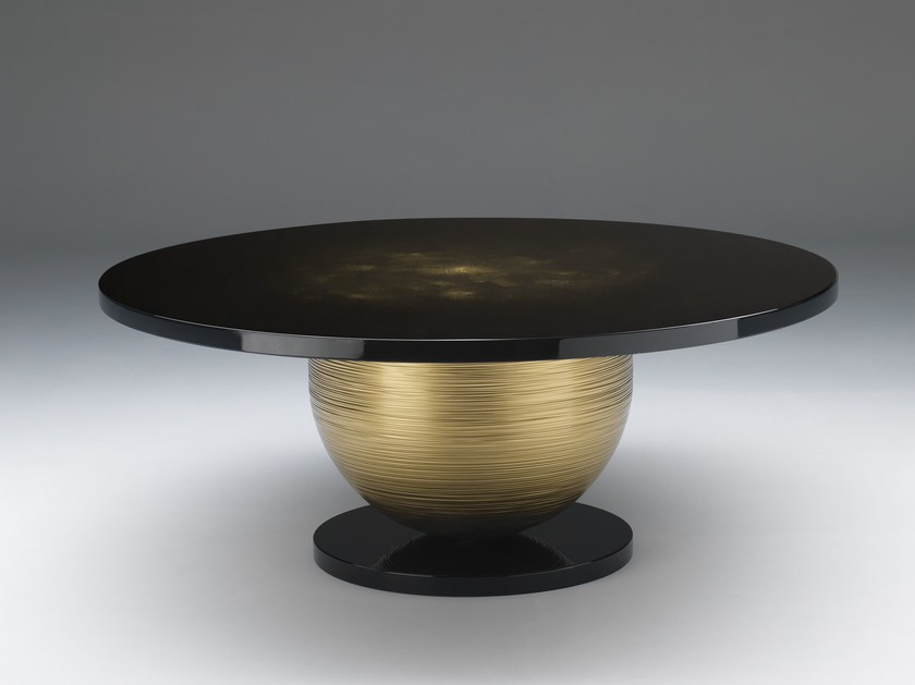 Lacquered round table MARS by Paolo Castelli