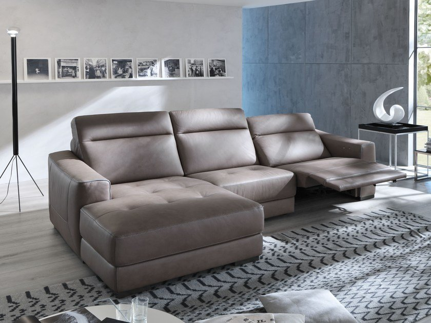 Relaxing sofa with chaise longue MAURINE | Sofa with chaise longue by Egoitaliano
