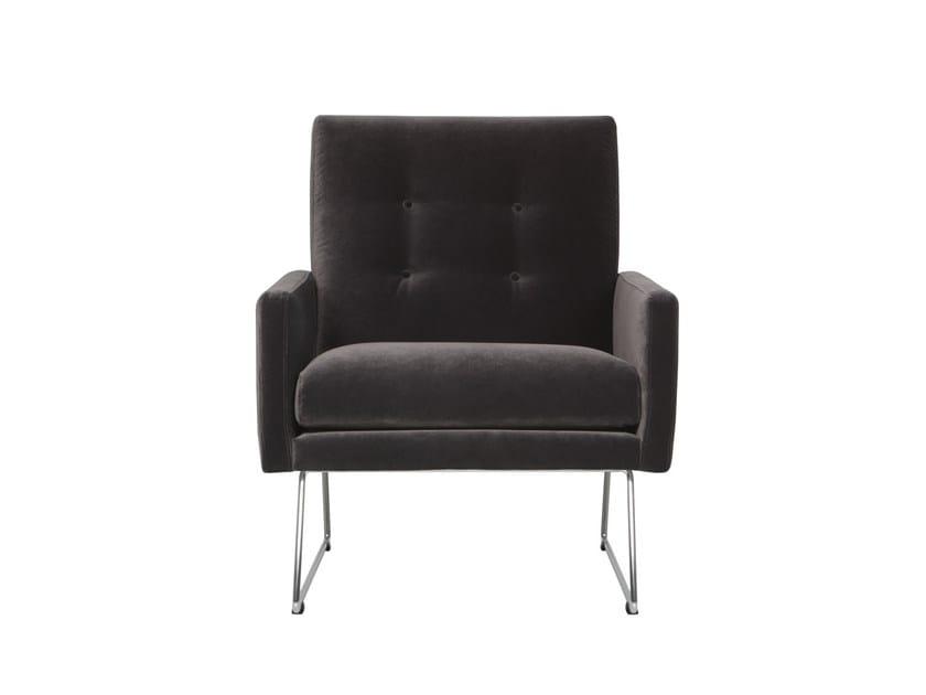 Sled base tufted velvet armchair with armrests MAX | Velvet armchair by SITS