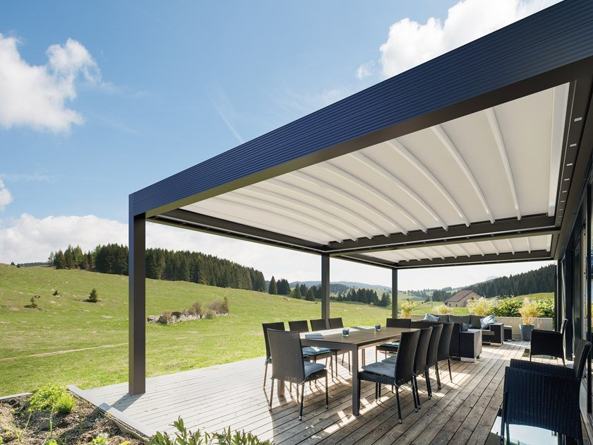 Wall-mounted aluminium and PVC pergola with folding louvers MED ZENIT by GIBUS
