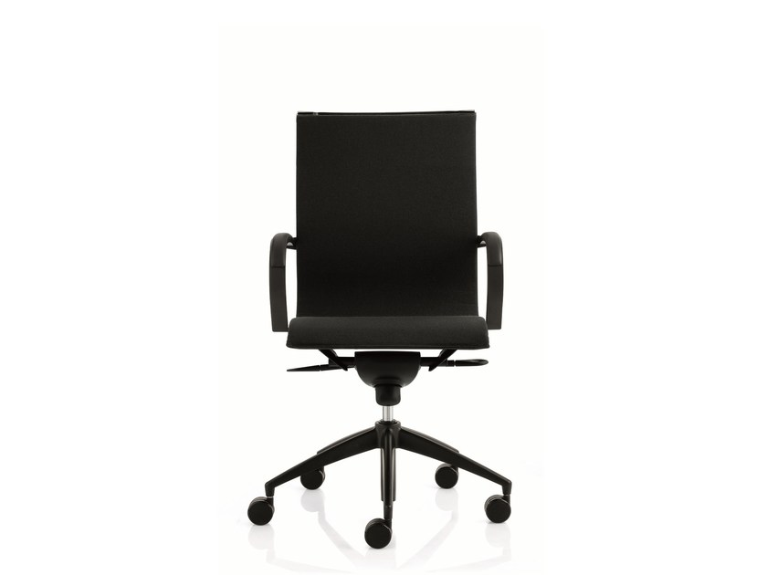 Medium back executive chair with 5-spoke base with armrests EM202 LIGHT | Medium back executive chair by Emmegi