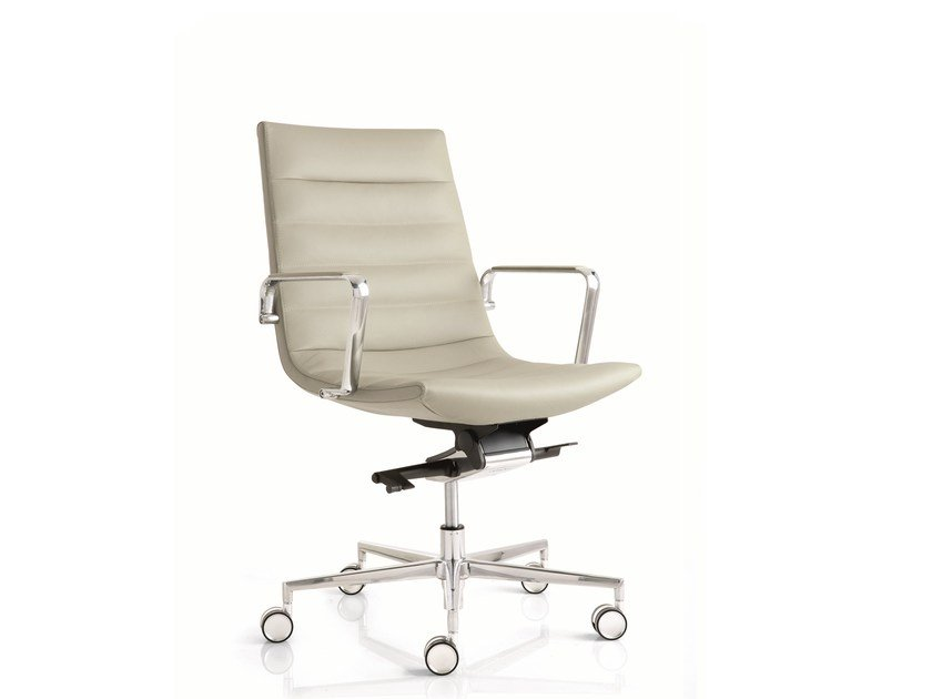 Medium back leather executive chair with 5-spoke base with armrests KEY | Medium back executive chair by Emmegi