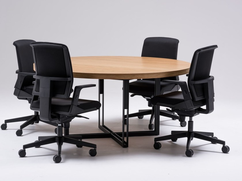 Round meeting table HD-10 | Meeting table by ersa