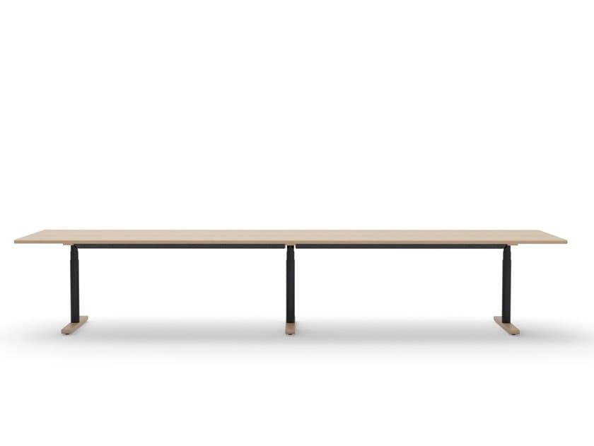Height-adjustable rectangular solid wood meeting table MN TABLE SERIES | Meeting table by Howe