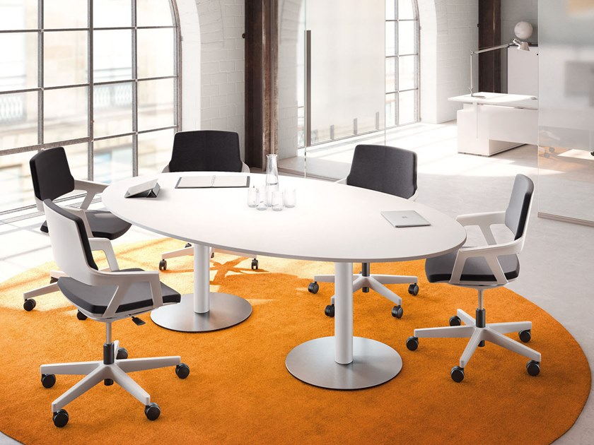 Oval meeting table Meeting table by PALMBERG