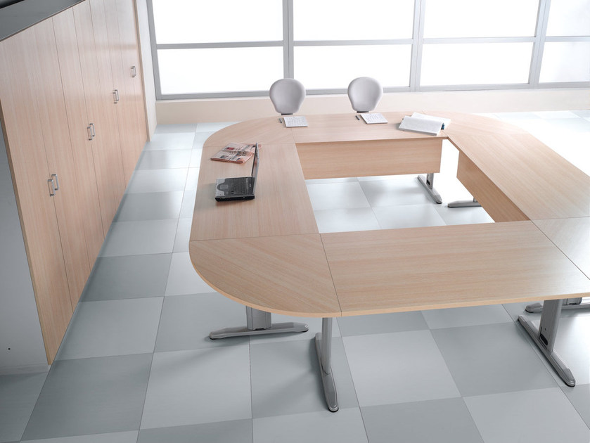 Modular meeting table T LEG | Meeting table by Ultom