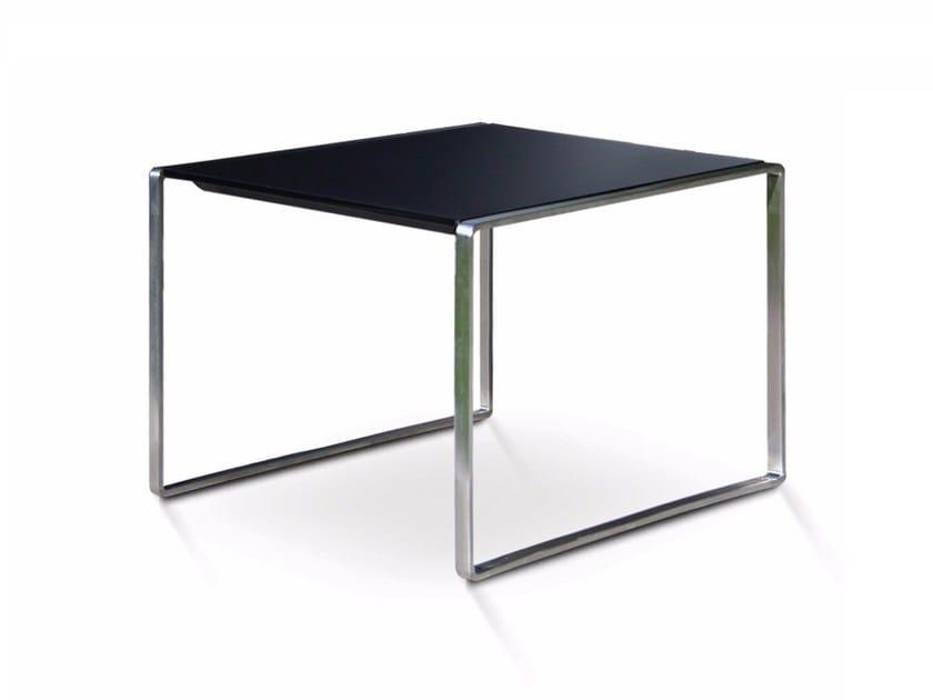 Square garden side table MESONA 50 by FueraDentro
