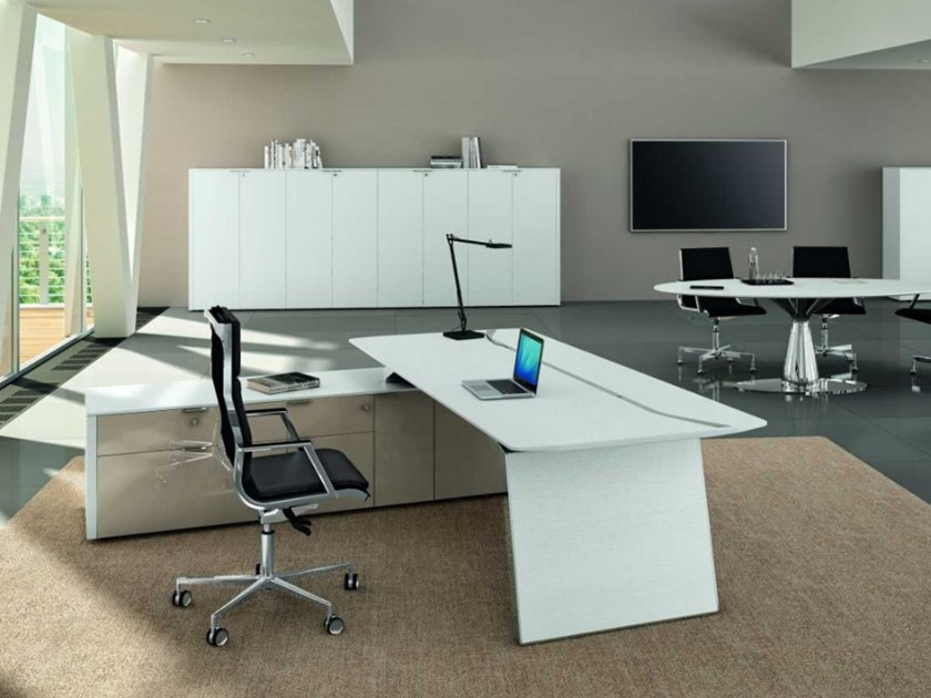 Office desk with shelves with cable management METAR   Executive desk by Bralco