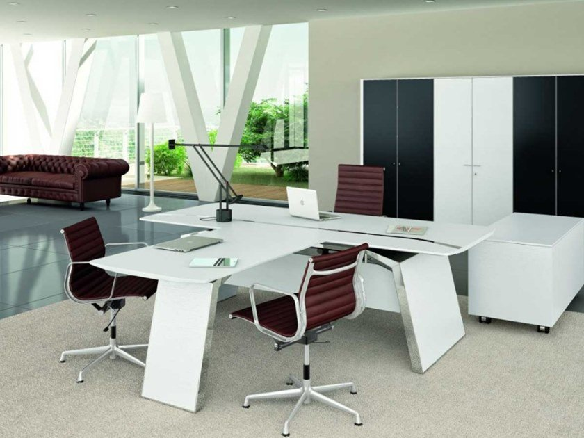 Oak office desk with cable management METAR | Lacquered office desk by Bralco