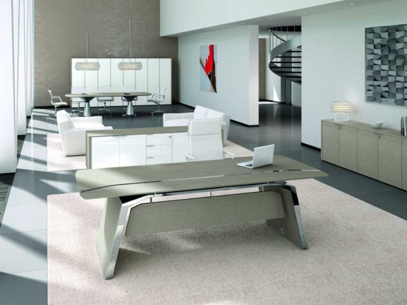 Oak office desk METAR | Office desk with cable management by Bralco