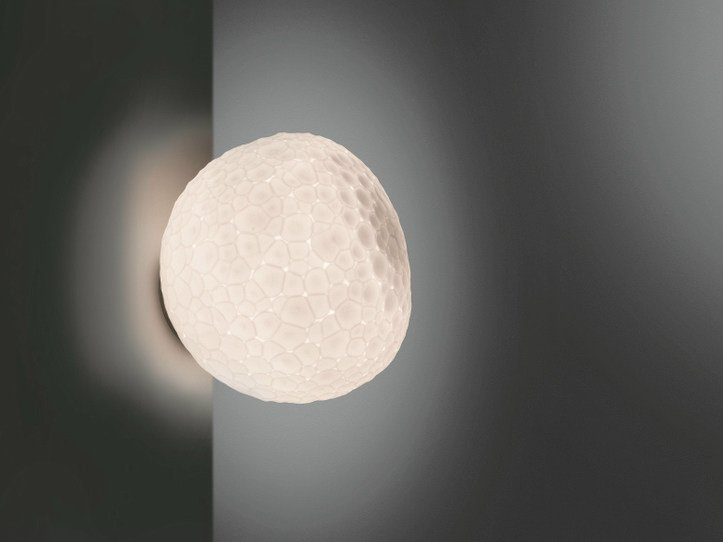 Blown glass wall lamp METEORITE | Wall lamp by Artemide