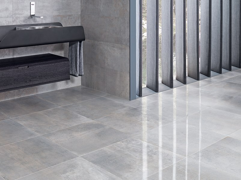 Wall/floor tiles with metal effect METROPOLITAN ANTRACITA by Venis