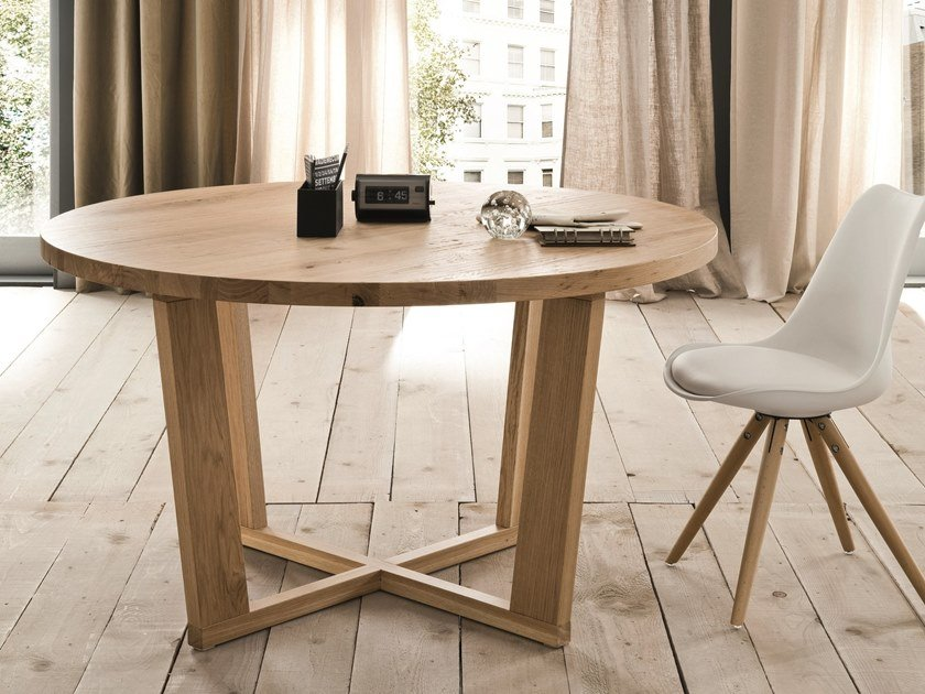 Round oak living room table MIAMI | Wooden table by AltaCorte