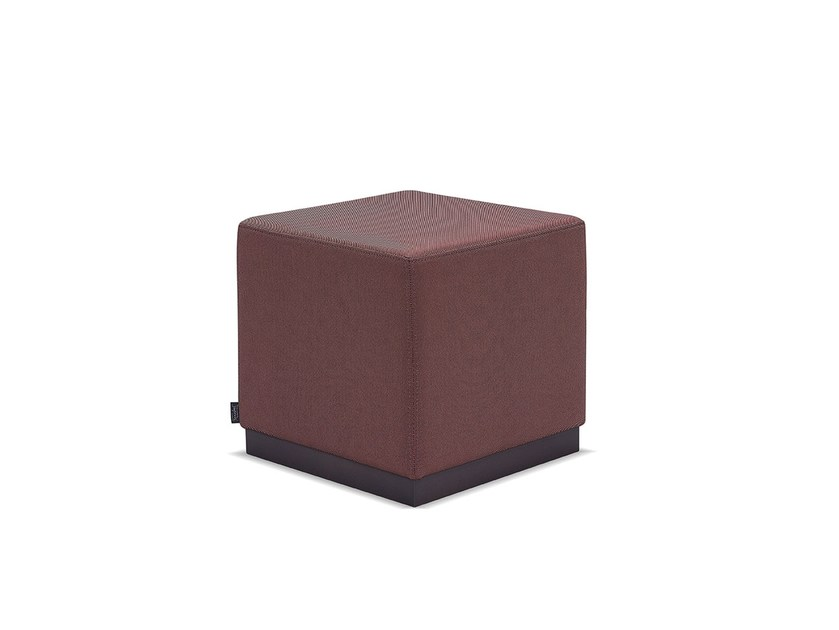 Upholstered square fabric pouf MIKA RODAPE by Fenabel