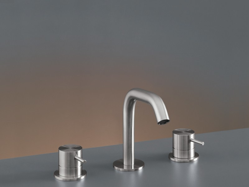 Three-hole mixer with swivelling spout MIL 77 by Ceadesign