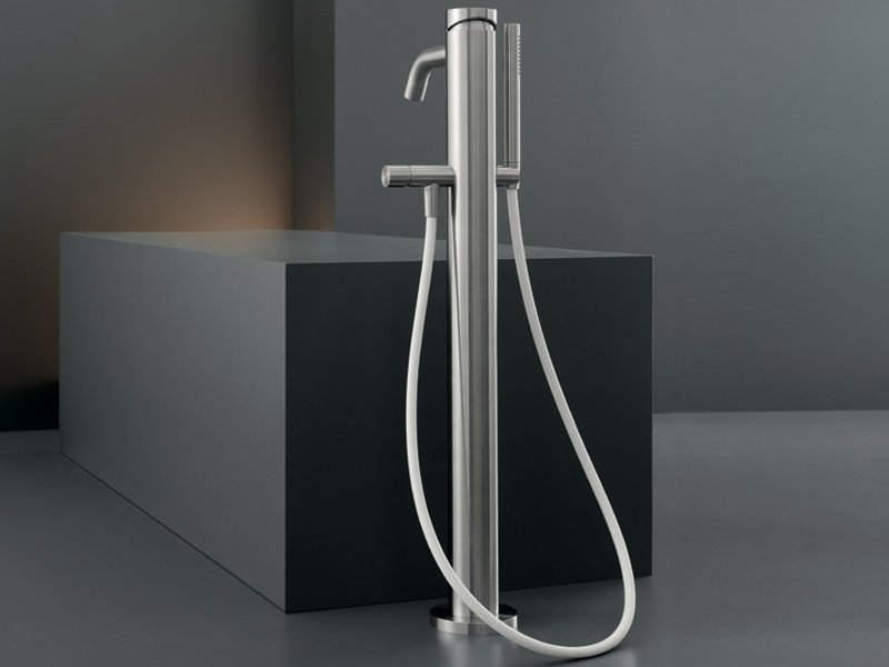 High water flow free-standing mixer for bathtub MIL 99 by Ceadesign