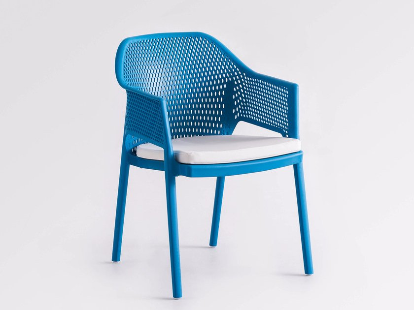 Stackable technopolymer garden chair with integrated cushion MINUSH RELAX by GABER