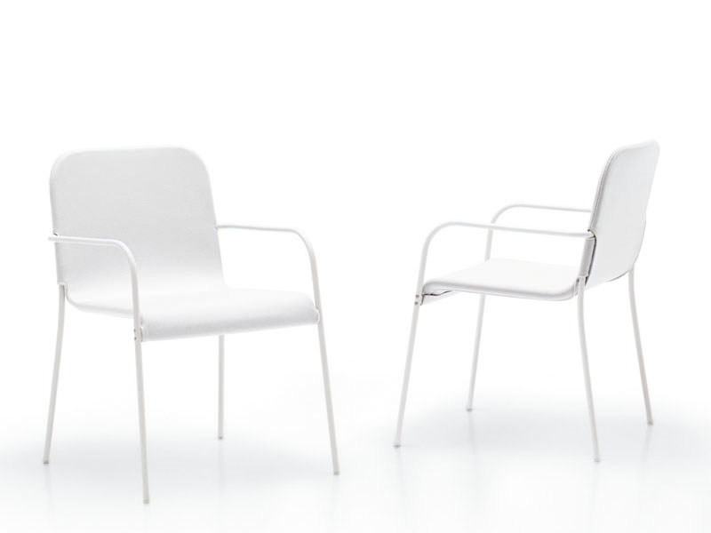 Stackable polyester garden chair with armrests MIRA | Chair with armrests by paola lenti