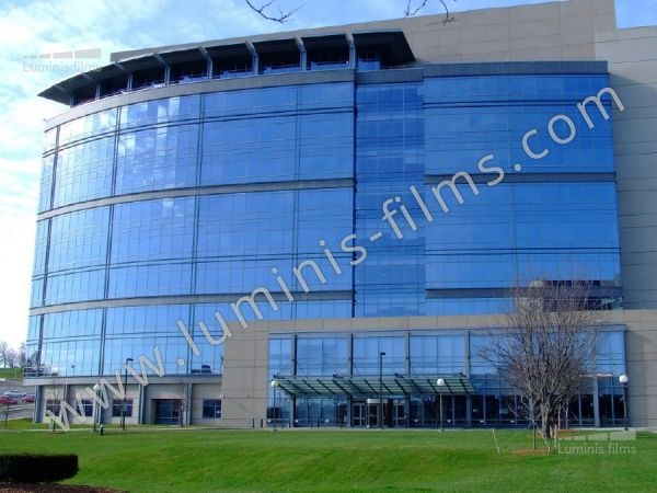 Adhesive solar control window film MIROIR-206x by Luminis Films