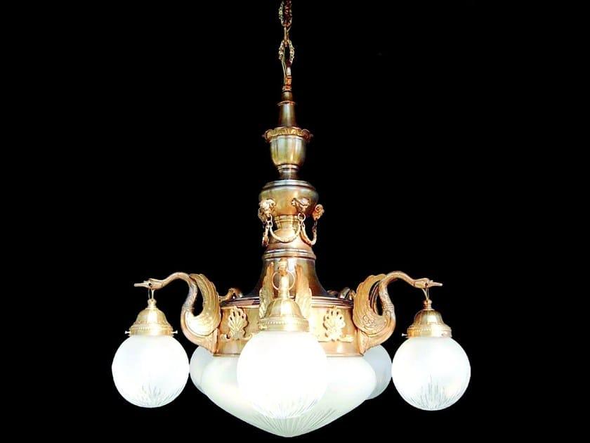 Lampadario a luce diretta fatta a mano in ottone MISKOLC I | Lampadario in ottone by Patinas Lighting