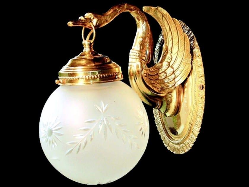 Direct light handmade brass wall lamp MISKOLC I | Brass wall lamp by Patinas Lighting