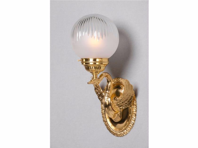 Lampada da parete a luce diretta fatta a mano in ottone MISKOLC II | Lampada da parete by Patinas Lighting