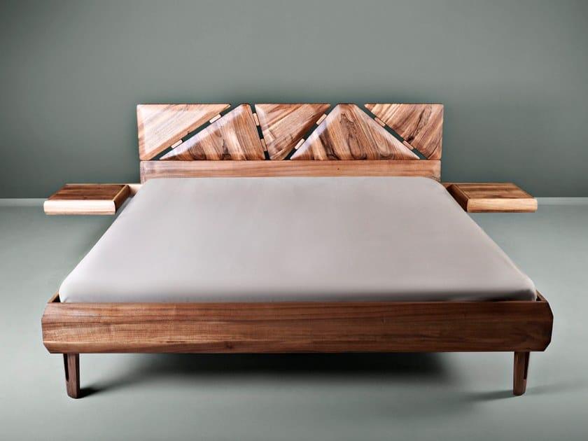 Letto matrimoniale in legno massello con comodini integrati MISTA By ...