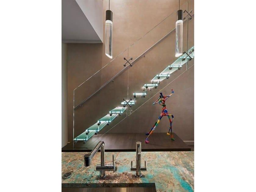 Scala a giorno in vetro con LED MISTRAL ILUMA by Siller Treppen