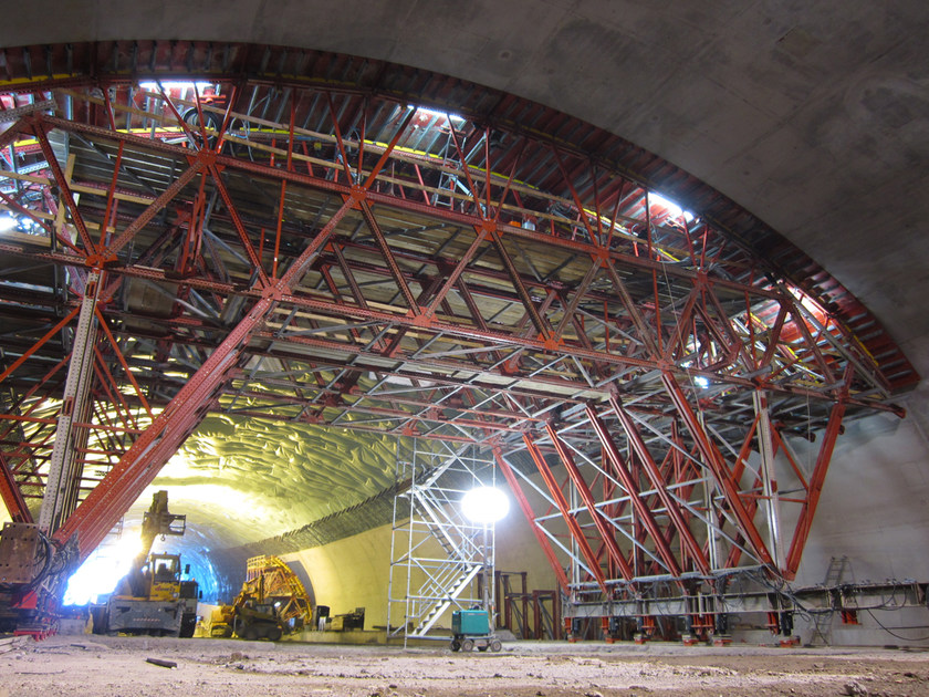 Formwork carriage for mine tunnels MK By ULMA Construction on