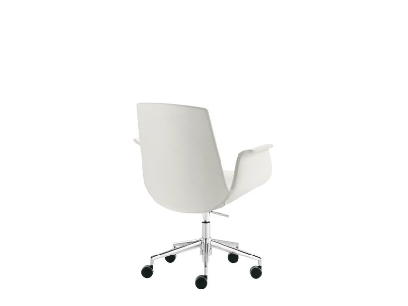Easy chair with 5-spoke base with casters MODÌ | Easy chair with 5-spoke base by Sesta