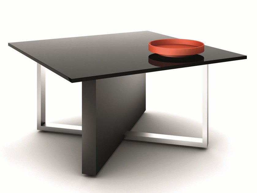 Square meeting table MODI | Square meeting table by Ultom