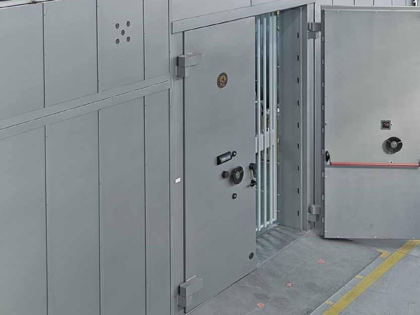 Modular steel Vault room Modular Vault room by Parma Antonio & Figli