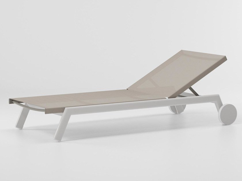 Tumbona de jardín reclinable con ruedas MOLO | Tumbona de jardín con ruedas by Kettal