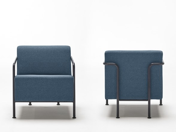 Fabric armchair with armrests MOMMO MO1PB | Fabric armchair by delaoliva
