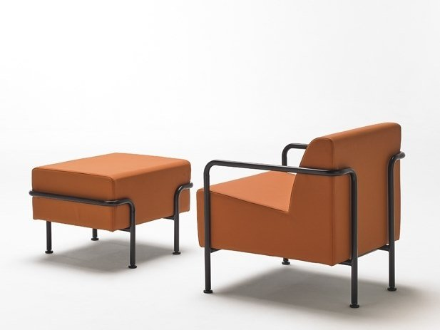 Leather armchair with footstool MOMMO MO1PB | Leather armchair by delaoliva