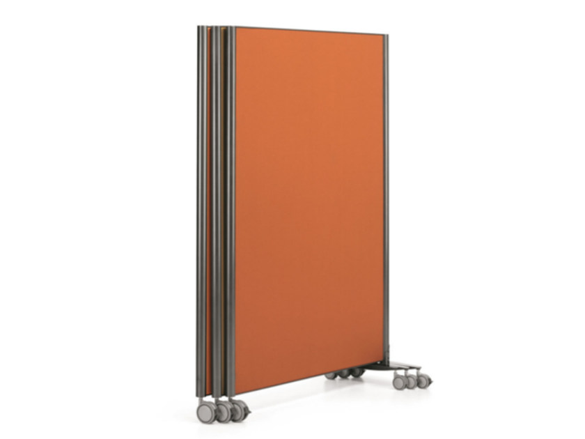 Free standing modular multi-layer wood workstation screen with casters MULTIKOM 3000 by TALIN