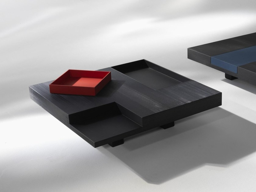 Square wooden coffee table N.Y.   Square coffee table by ALBEDO