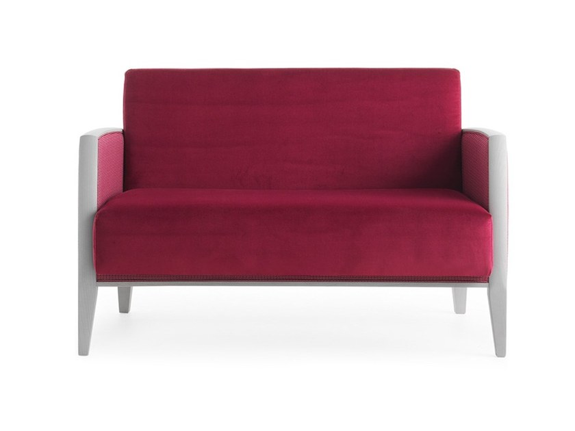 2 seater sofa NEWPORT 01851 by Montbel