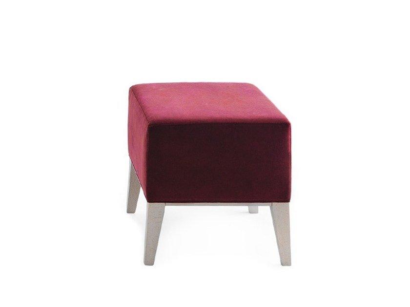 Upholstered square pouf NEWPORT 01871 by Montbel