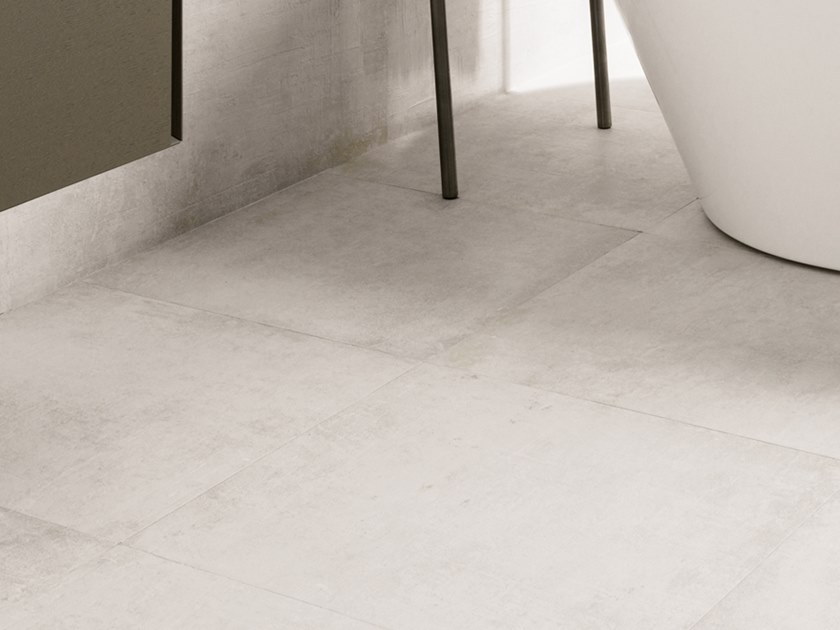 Wall/floor tiles with concrete effect NEWPORT WHITE by Venis