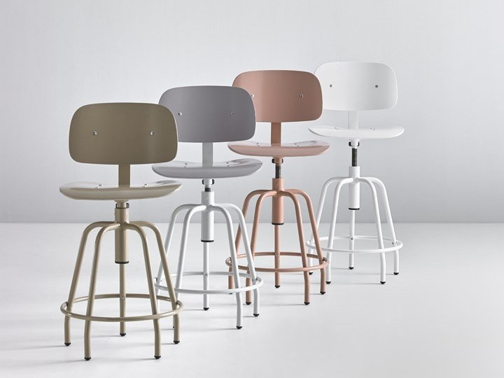 Height-adjustable stool with back NEXOS 2006 by delaoliva