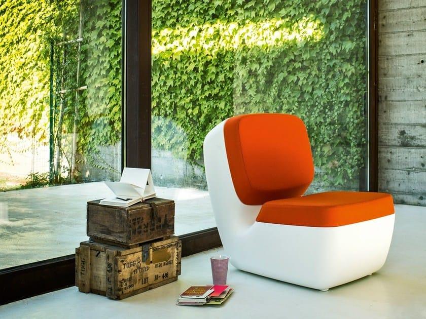 Upholstered polyethylene easy chair NIMROD by Magis