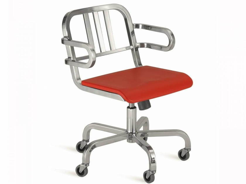 Swivel aluminium chair with armrests with casters NINE-O™ | Swivel chair by Emeco