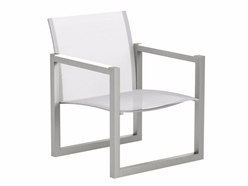 Sled base garden Batyline® easy chair with armrests NINIX | Easy chair by Royal Botania