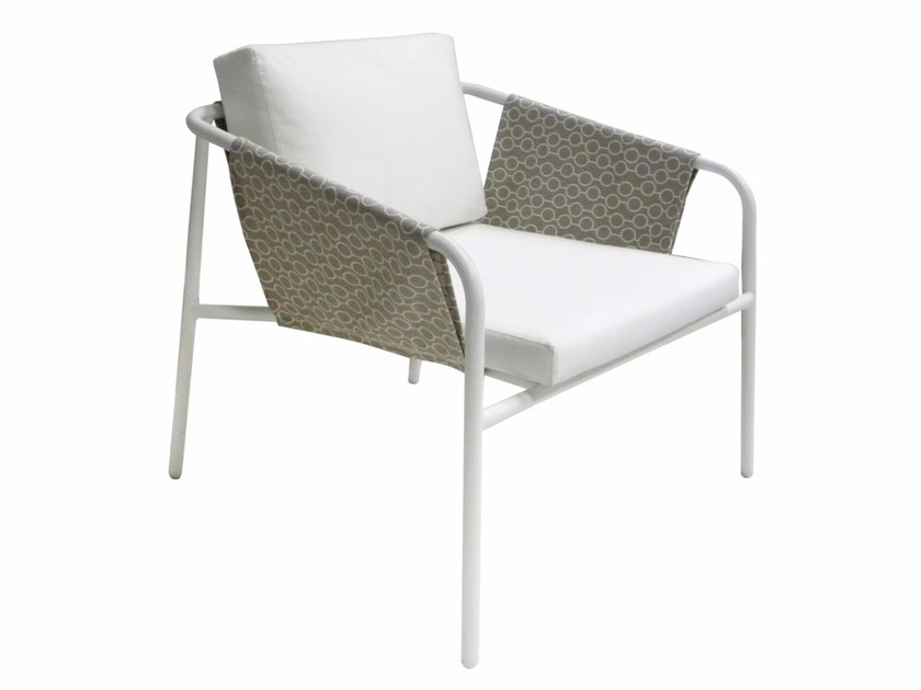 Sunbrella® garden armchair with armrests NUA VINTAGE | Garden armchair by calma
