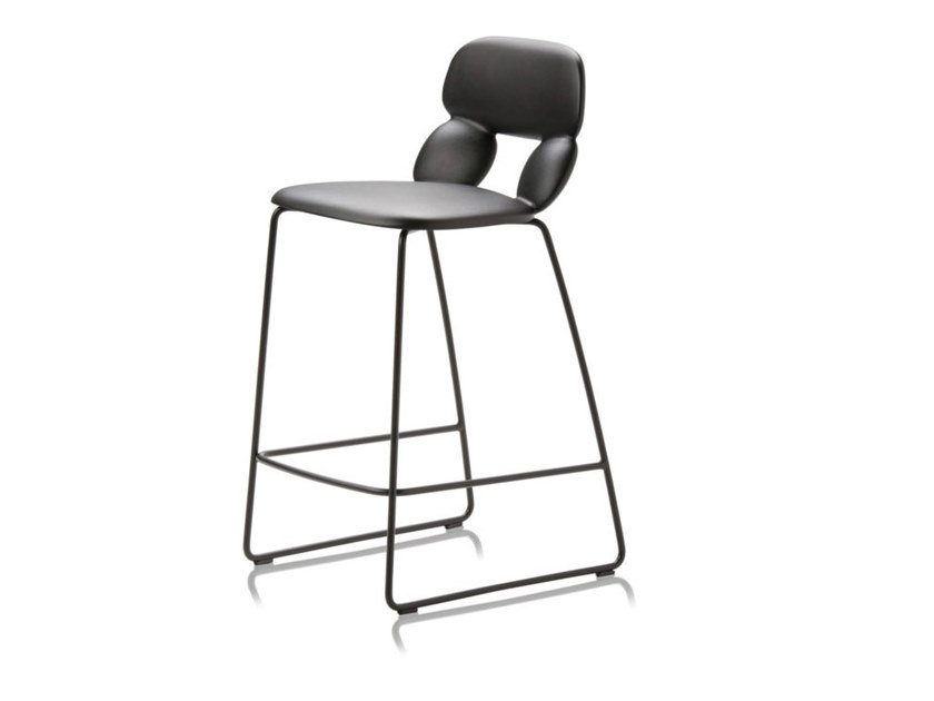 Sled base polyurethane stool NUBE SL SG 65 by CHAIRS & MORE