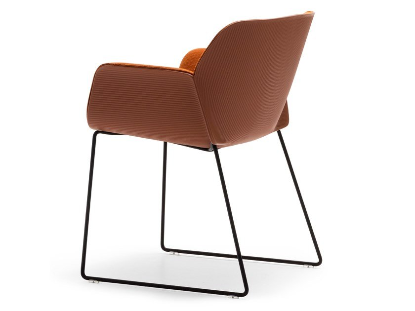 Sled base chair with armrests NUEZ SO2783 by Andreu World