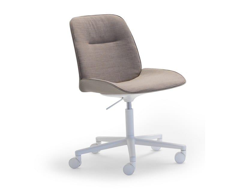 Sedia in tessuto a 5 razze ad altezza regolabile con ruote NUEZ SI2788 by Andreu World